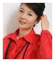 郑卫莉二婚嫁杜淳父亲杜志国,和继子很投缘,称17年来愧疚儿子