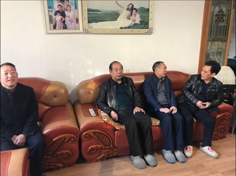 冬日浓情暖人心︱衡东县卫生健康局领导看望慰问退休老干部