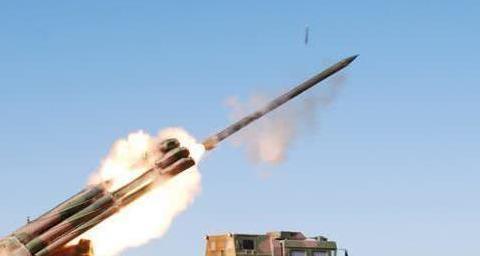 用上北斗导航后,中国火箭炮精度达到一米,比许多导弹精度还高了
