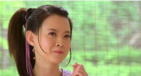 林志玲都结婚了,曾志伟女儿曾宝仪46岁却还单身