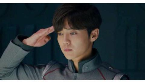 鹿晗转型,和吴磊互比不敬业?上海堡垒一役后,他还能逆袭吗?