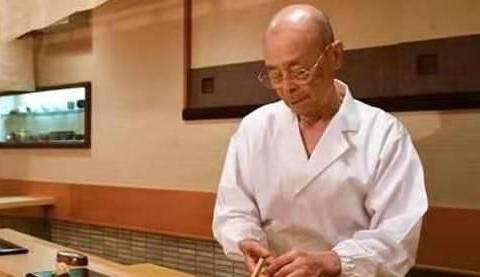 """日本""""寿司之神""""制作寿司多严谨,章鱼要按摩,米粒误差不超4粒"""