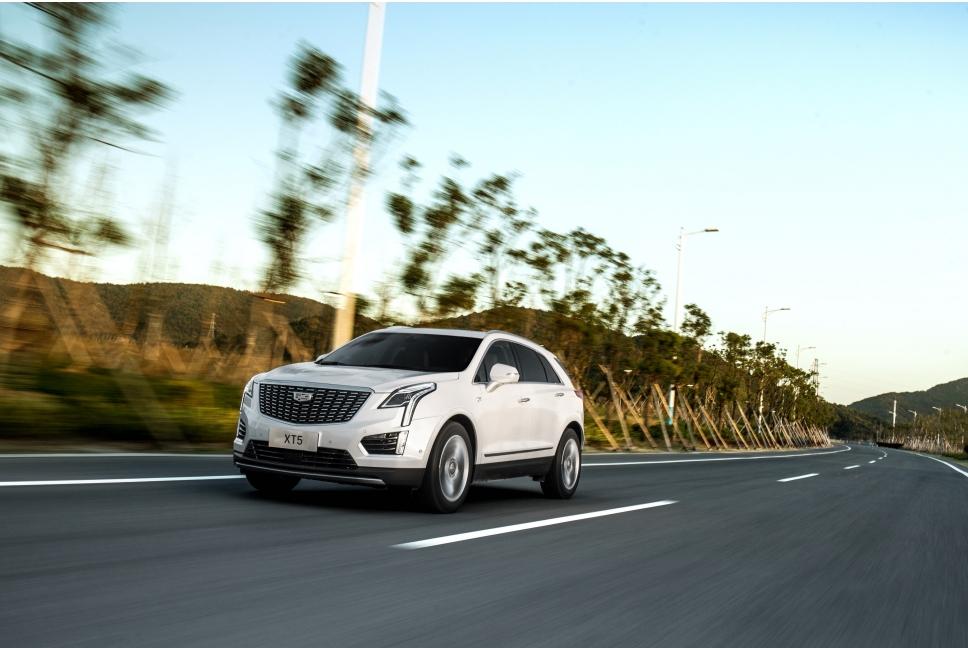 试驾凯迪拉克SUV家族全系,风尚与运动二选一,该如何选择?