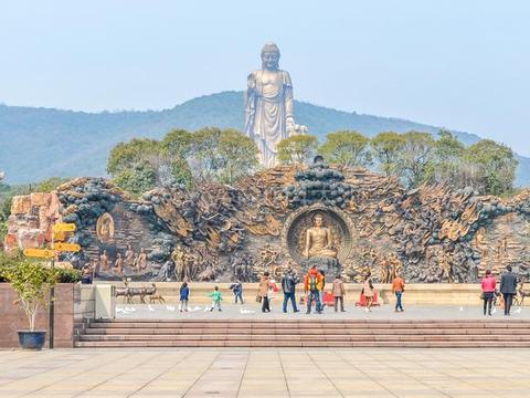 世界上最高的一座佛像,比乐山大佛还要高17米