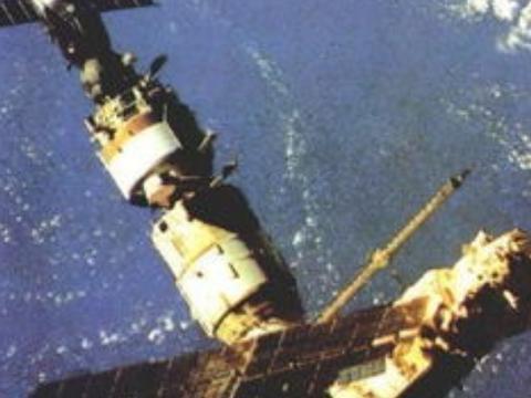 太空中温度低,也没有氧气,可为什么航天器还会氧化呢?