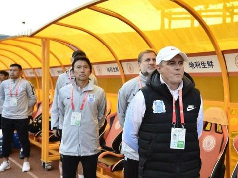 广州富力助教表示:我们接到足协的临时通知斯托伊科维奇被停赛