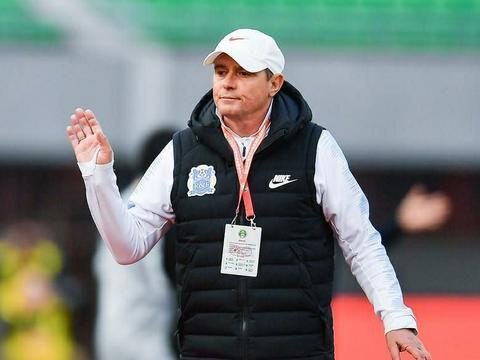 足协惹不得!富力助教确认:主教练斯托伊科维奇因出言不逊被禁赛
