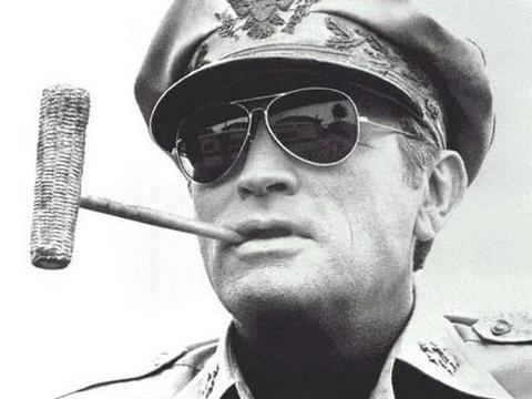 麦克阿瑟一生最大的耻辱:在该战役丢下万余美军不管,独自撤离