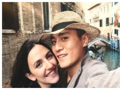 妻子几次病危,他宁可放弃事业,也不放弃爱人,他就是刘烨