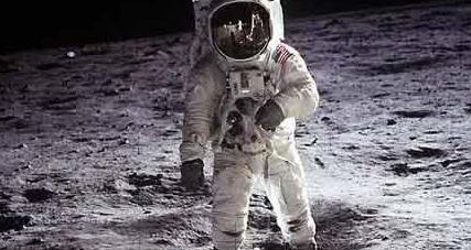 宇航员上天还要配枪,是用来打外星人的吗?原来跟苏联有很大关系