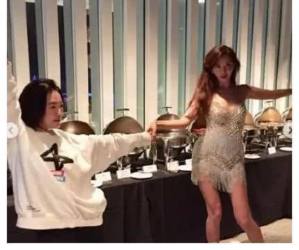王力宏老婆出席林志玲婚礼惹争议:太过于惊艳,也是一种罪?