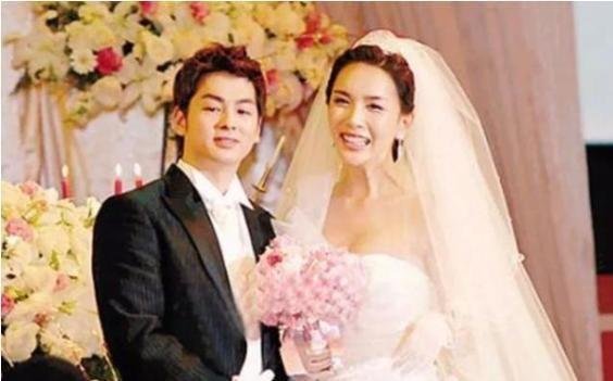 河莉秀祝福前夫再婚,44岁保持好身材,男性化了一点