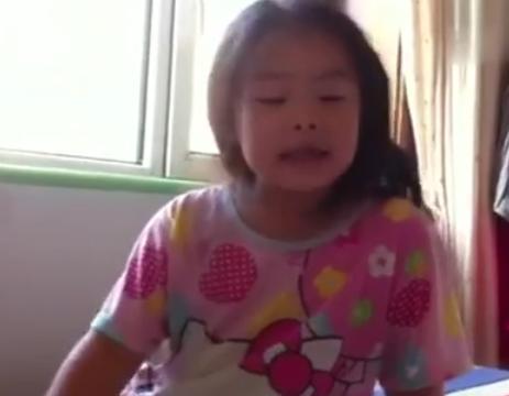 六岁姐姐打哭两岁弟弟,网上一片赞,她比很多家长都会教育孩子