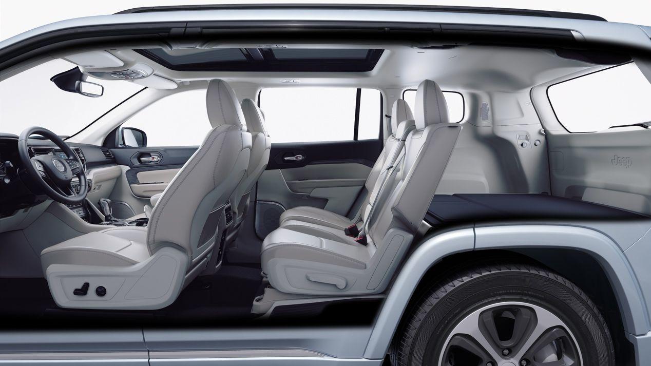 Jeep首款新能源车型  指挥官PHEV亮相广州车展
