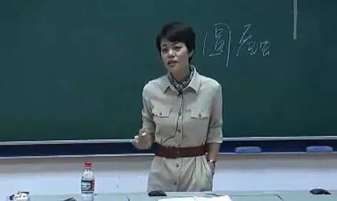 大学老师富,高中老师累,初中老师尬,村小老师闲和穷