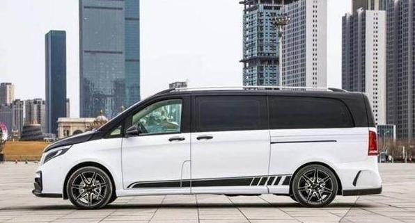 新款奔驰进口豪车,32寸液晶电视+电动奢华大床,气场胜过埃尔法