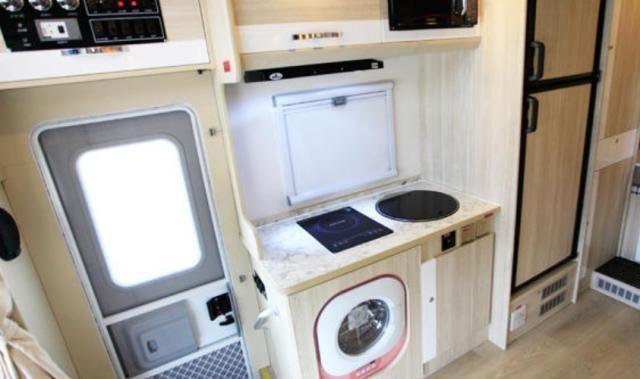 成都定制版豪车!车长近6米,电动升降麻将桌+电视+全自动洗衣机