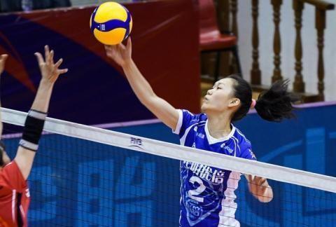6连胜!利普曼拉尔森太强大,合力砍下44分,上海女排3-0胜山东
