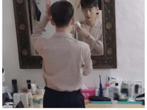 看看吴磊的床铺,再看看张翰的,教养,不是装出来的!