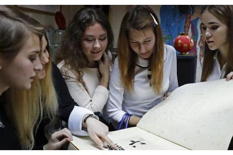 阿联酋将汉语纳入国民教育体系,招聘汉语老师年薪36万人民币