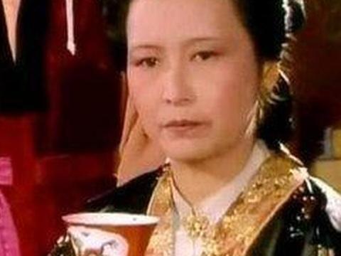 王夫人唯一一次做东,成为《红楼梦》里最尴尬的午宴