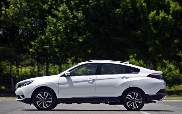 自主品牌轿跑SUV鼻祖,日系三大件省油开不坏,如今卖10万起