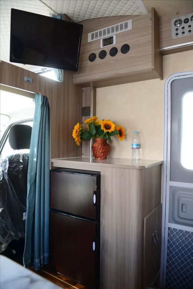 超大外置厨房 途佳依维柯C型房车 只为喜欢旅行的你