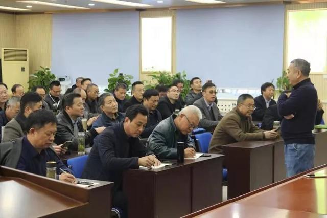 校长综合能力提升高级研修班的校长走进北京化工大学附属中学