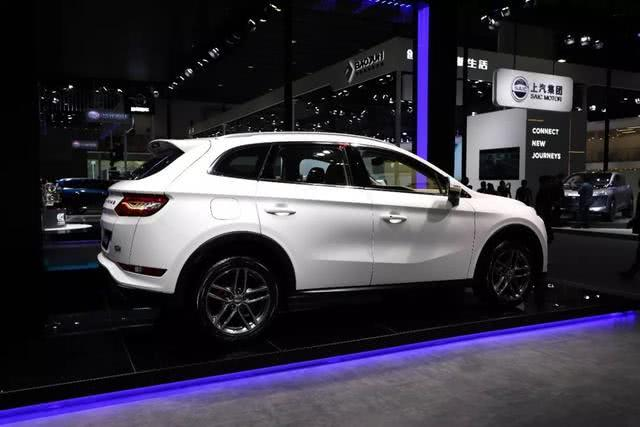 又一国产SUV上市,1.5T爆163马力,7.99万起