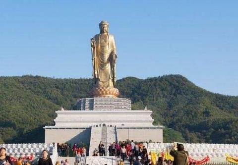 """世界最大佛像,高208米耗资12亿,考生都喜欢来这临时""""抱佛脚"""""""