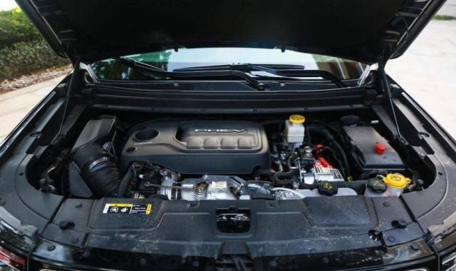 省油有情怀还能越野,全新Jeep指挥官PHEV试驾,百公里油耗1.7L