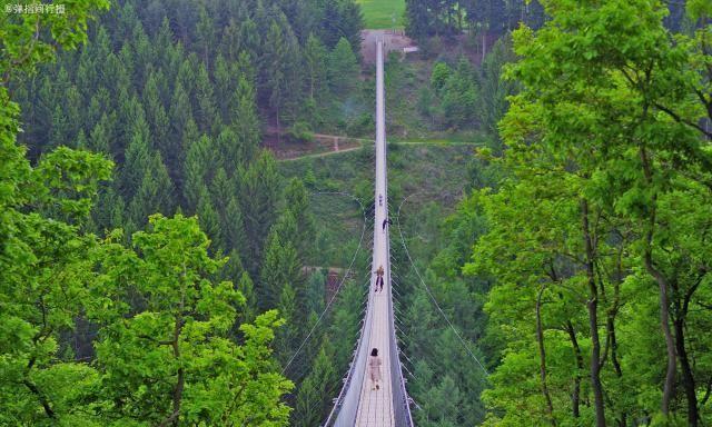 """德国最长的吊桥,花110万欧元建成,被当地人视为""""吊桥鼻祖"""""""