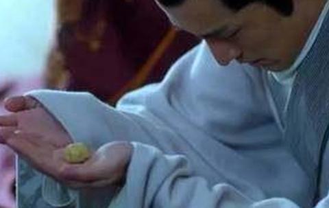 琅琊榜,梅长苏吃糕点被靖王扔了,蔡荃沈追当场傻眼了!记得否?