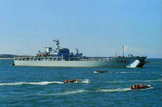 075型两栖攻击舰当不了海军霸主,072型坦克登陆舰竟是真正一哥