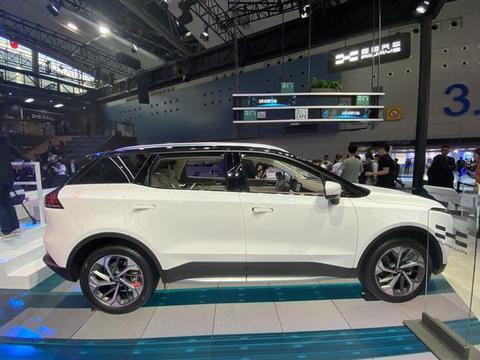 爱驰U5惊现广州车展,可能是首款电磁辐射达标电动车