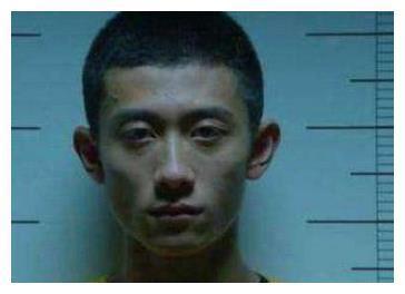 同样是监狱照,吴京虚弱,张一山淡定,唯独他表情最真实!