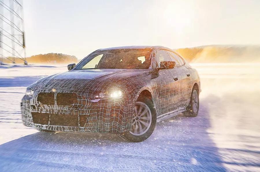 纯电Mustang挑战特斯拉Model Y,Model 3就交给宝马i4吧