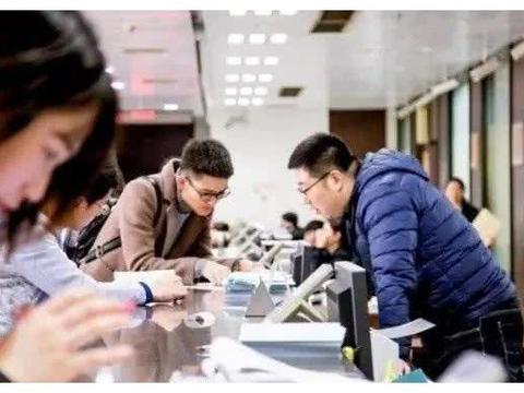 杭州某中学招聘,清华北大毕业生纷纷入职,引网友热议