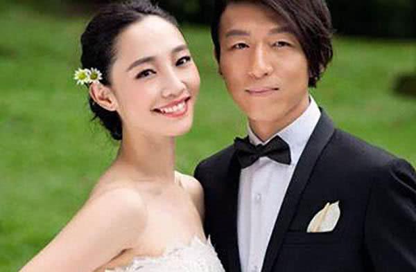 和陈羽凡离婚后,白百何谈生活不易:更多时候是需要孤身一人的
