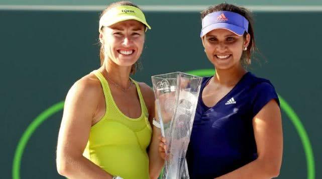 费德勒再添顶级荣耀,印度美女新赛季回归