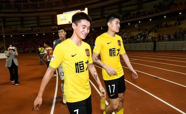 中超最贵巨星又盛赞中国足球:回来后发觉涌现非常多青年才俊!