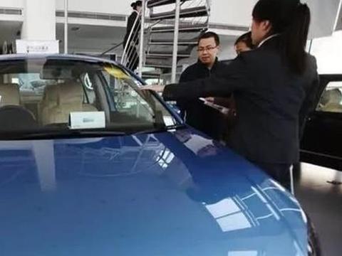 4S店提车,销售人员最怕被检查的4个地方,老司机:一查一个准!