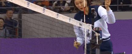 2次质疑韩国裁判!恒大女排对手世俱杯吃黄牌 球迷:表演系
