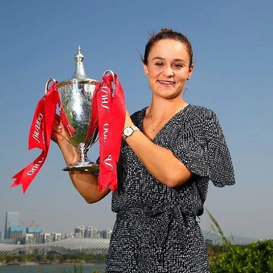 巴蒂连续三年获得澳大利亚网球纽康比奖