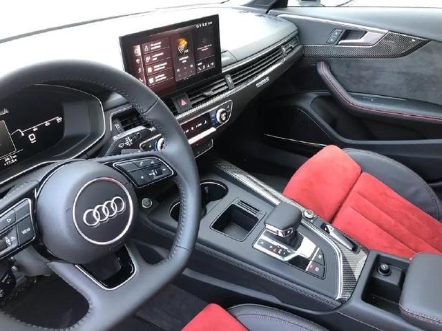 新款奥迪A4L、Q3轿跑版实车曝光,明年4月入市,配外观运动套件