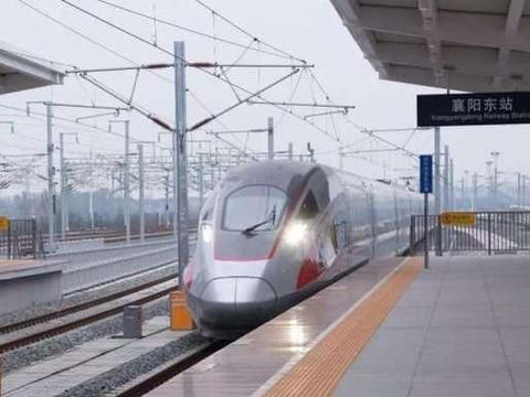 中国高铁年年亏损:目前负债达到5.3亿,那票价会不会上涨呢?