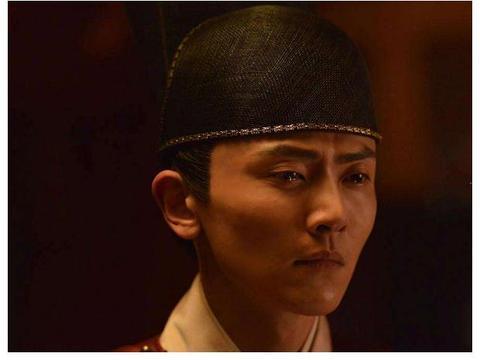 《庆余年》中二皇子扮演者曾因拍戏导致耳聋,一个月暴瘦40斤!
