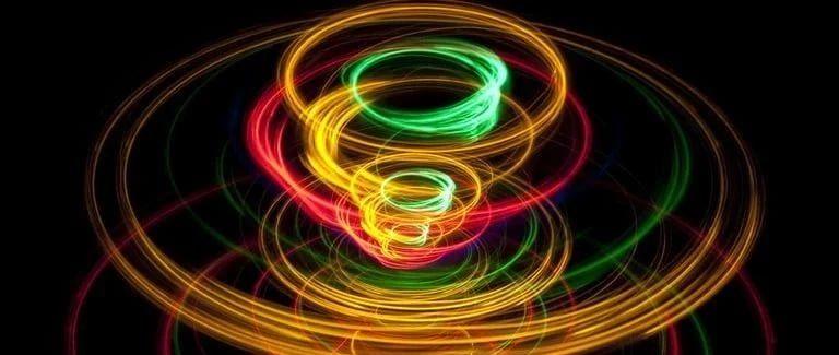 无需电力:基于磁的自旋电子计算机可以匹敌量子计算机的原始计算能力