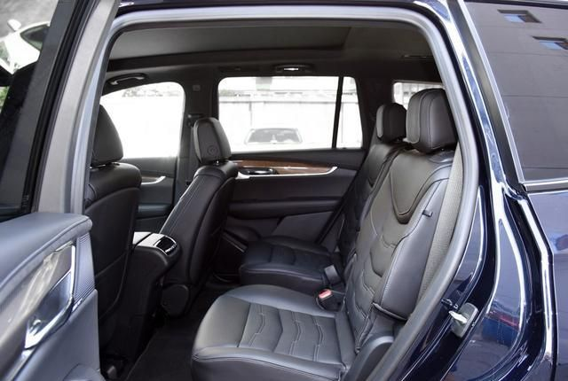 9AT+5米车长+四驱,售价却只有同级一半!还有6座7座大空间!