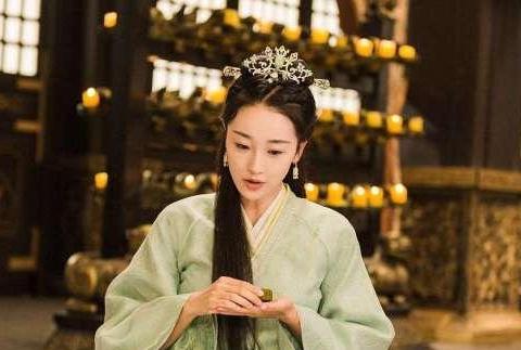 她是史上命运最多舛的一位皇后,她的生活大起大落,好在结局美满